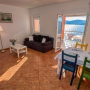 Villa Dorida Komarna, Apartment Mare, Living